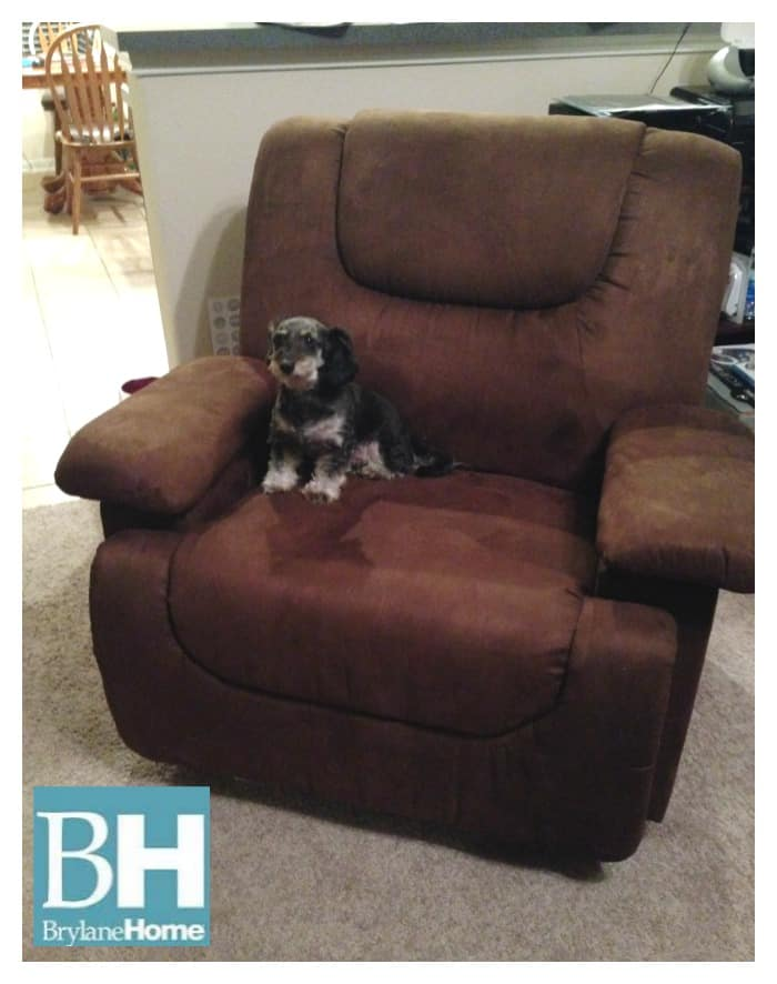 Brylanehome Plush Extra Wide Recliner With Storage Arms Review