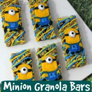 These minion granola bars are the cutest and best tasting granola bars you will ever make. Everyone is going to love them!
