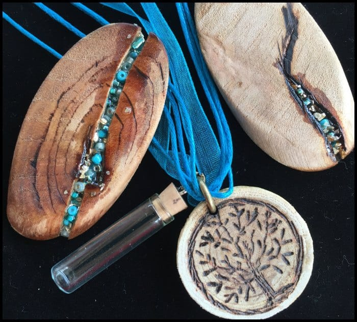 DIY Essential Oils Diffuser Necklace Made out of Wood