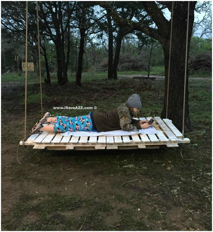 DIY Pallet Board Bed Swing