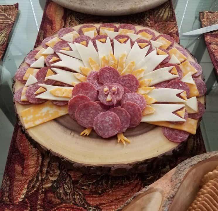 Keto Appetizer Tray that looks like a Turkey